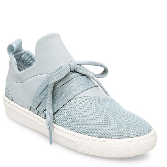 1b6c2c7ea70 Steve Madden LANCER LIGHT BLUE sneaker. M 5c665da70cb5aad888539c1c